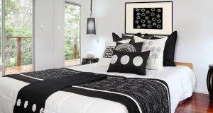15 Timeless Black Bedding Set