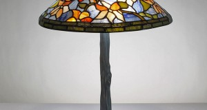 15 Lovely Tiffany Bedroom Lamps