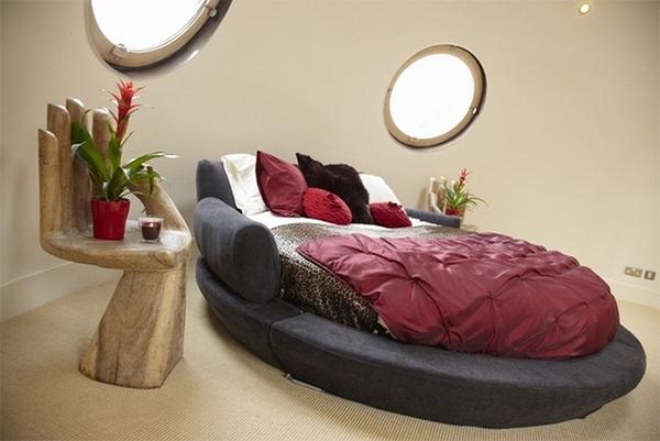 Studio Round Bed