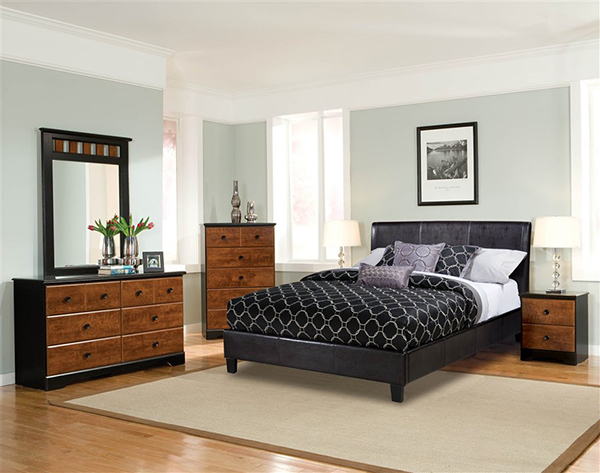 New York Upholstered Queen Bed in Black