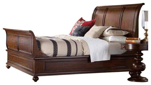 Hooker Furniture Lassiter Sleigh Bed in Rich Warm Cherry - Queen
